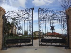 cổng biệt thự cổ điển